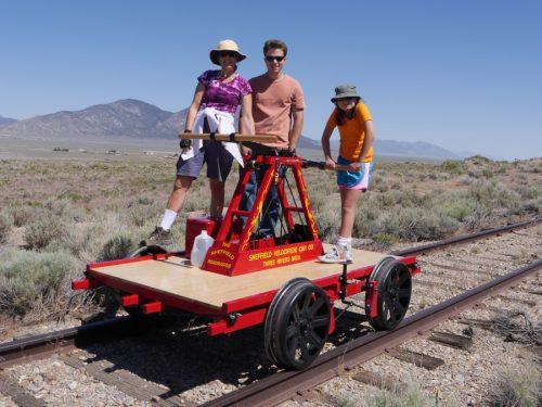 family-handcar-notodd